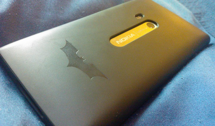 Nokia Lumia 900 Batman edition