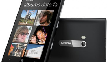 Nokia Lumia 900 Cyan