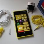 Nokia Lumia 920 e accessori in dotazione