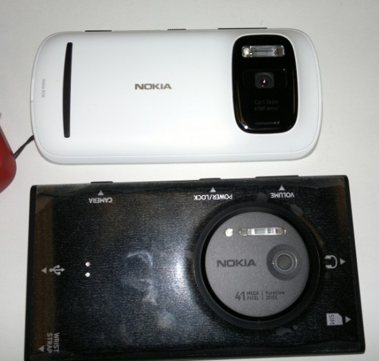 Nokia Lumia 1020 vs Nokia 808 PureView