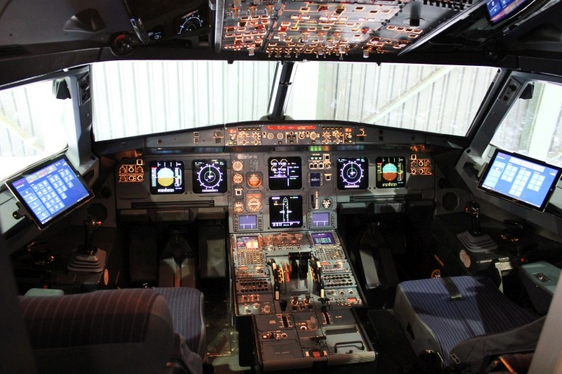 Austrian Airlines Cockpit