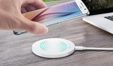 AUKEY Caricatore Wireless Qi