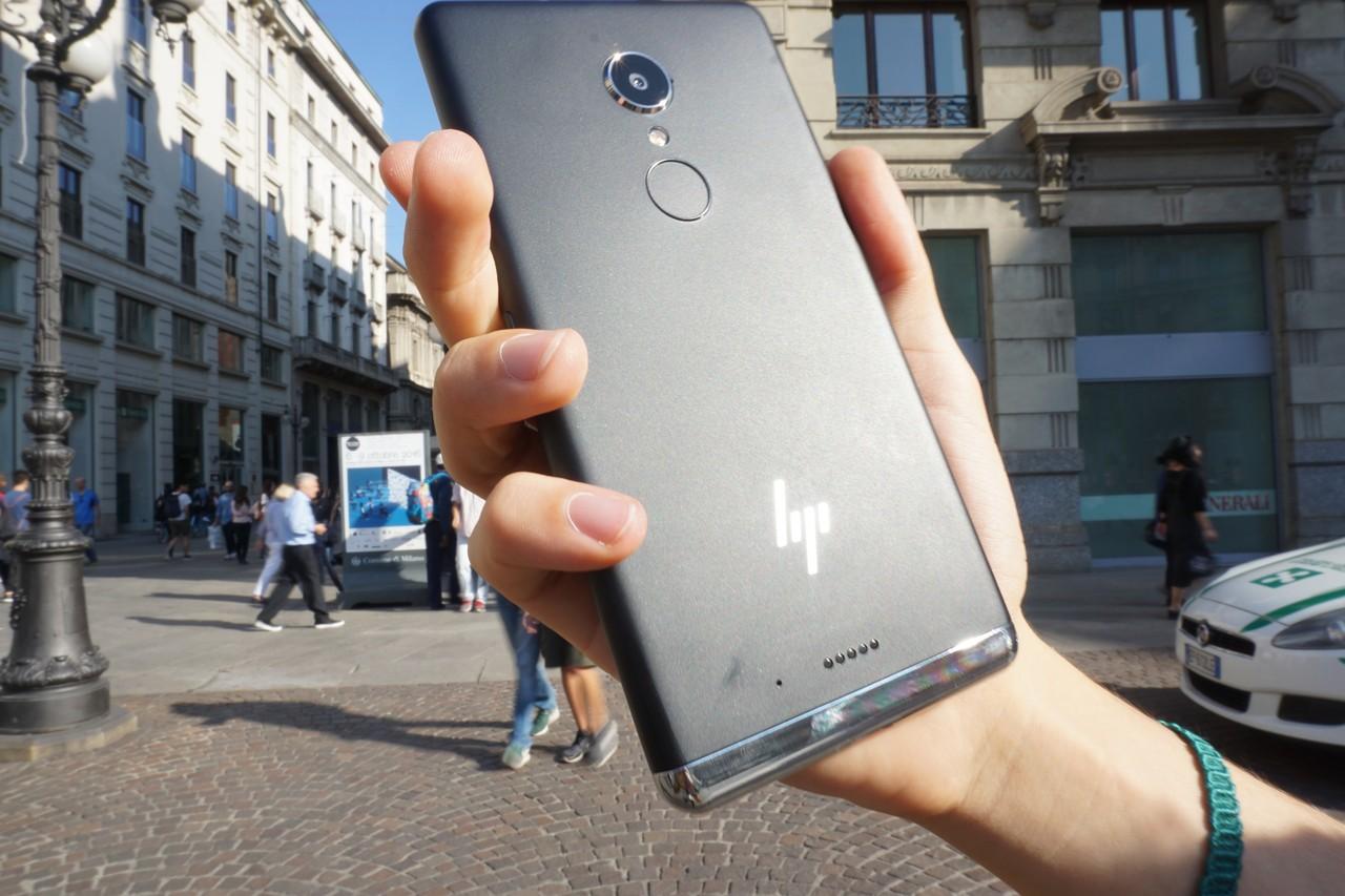 HP Elite x3, i nostri video focus sul lettore di impronte digitali, le App di HP e Continuum