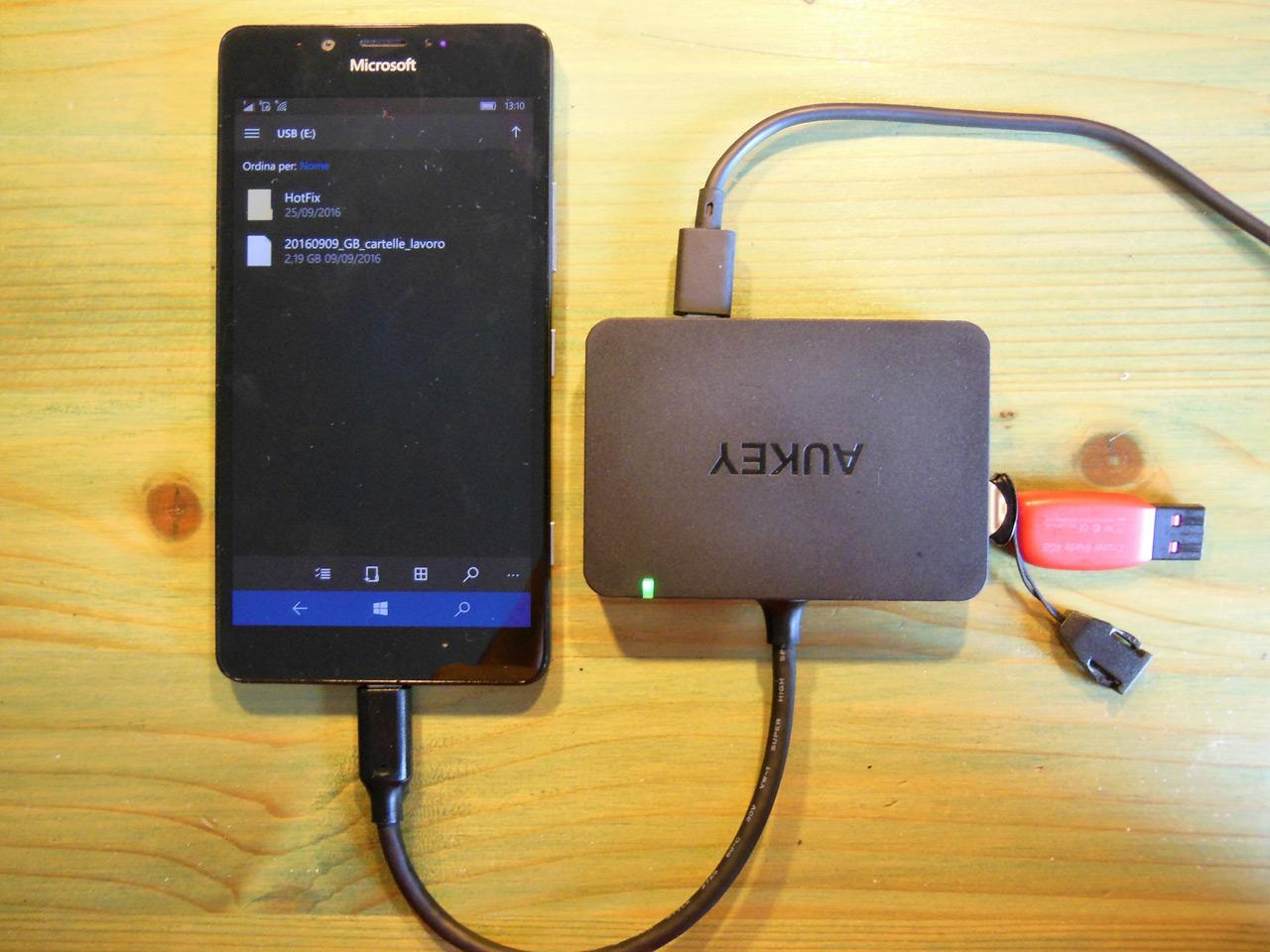 Mini Review dell'Hub AUKEY (CB-C26) con 4 USB 3.0, 1 USB-C e 1 HDMI per Continuum e non solo