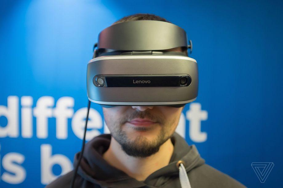 Lenovo presenta il suo visore per la realtà virtuale