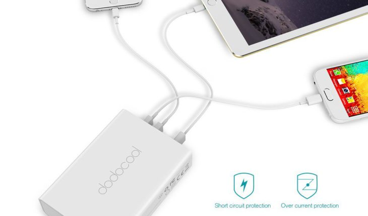 Caricabatterie Quick Charge 3.0 con 5 porte USB