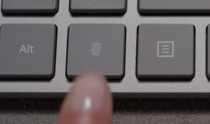 Microsoft annuncia la nuova tastiera Modern Keyboard con lettore di impronte digitali