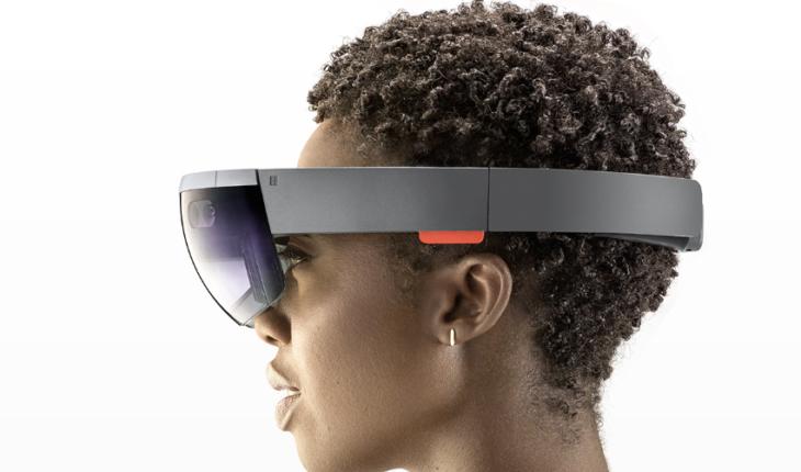Microsoft HoloLens disponibile da oggi anche in Italia