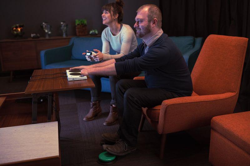 Microsoft presenta il controller Xbox per giocatori con disabilità